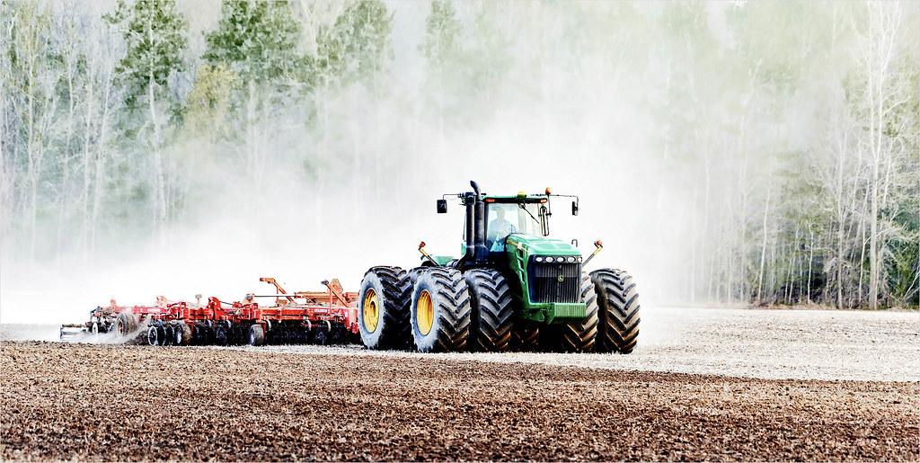 Tractor-tilling-a-field