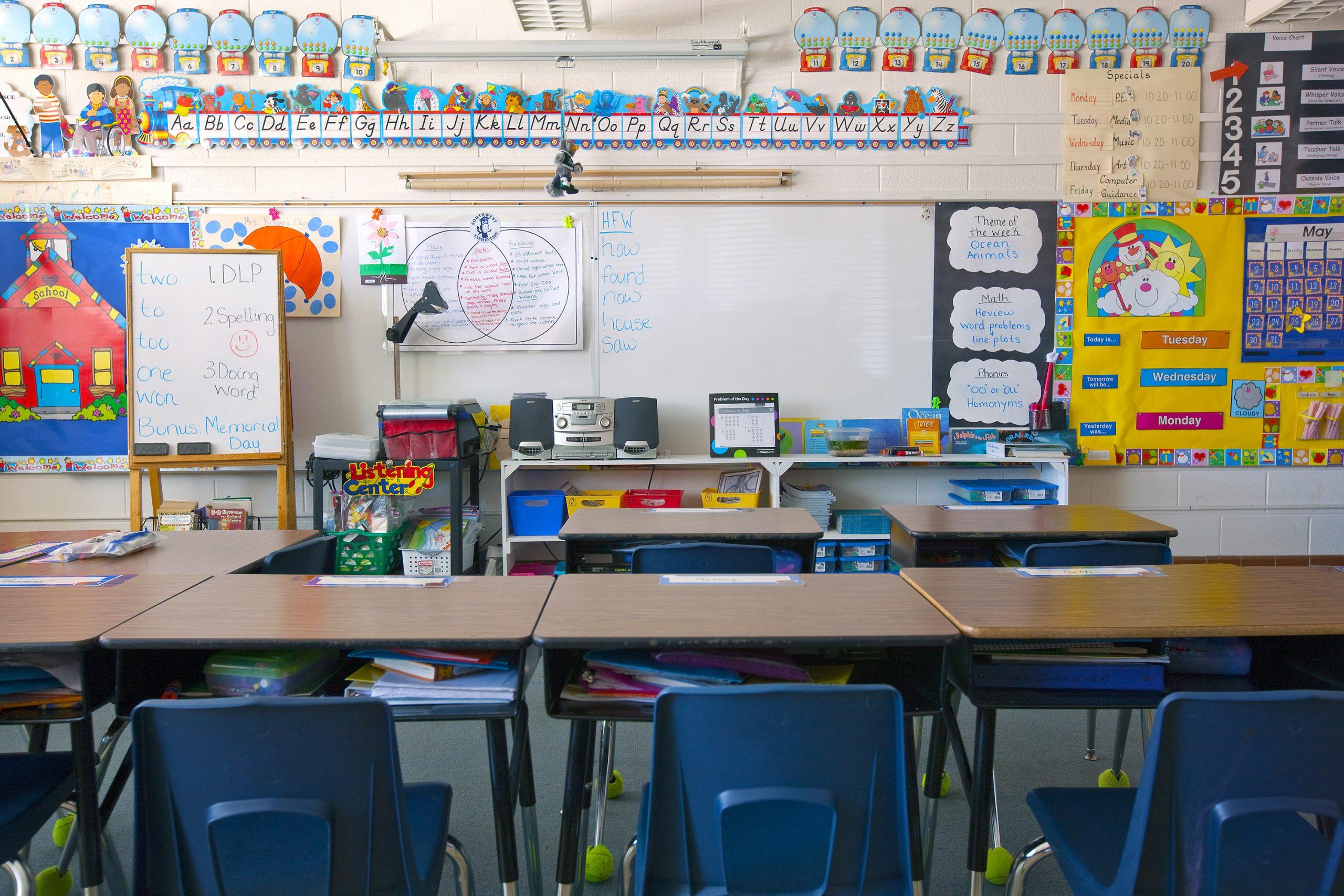 Kindergarden-Classroom-with-empty-desks