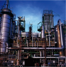 Outside-pipes-at-petro-chemical-plant